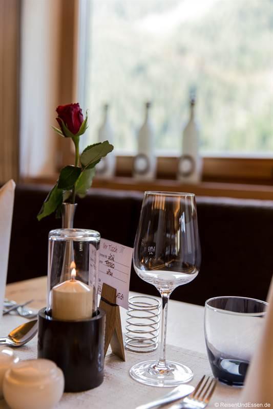 Tisch zum Marten Dinner mit Pinzgauer Kulinarik