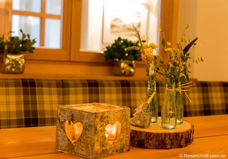 Tischdekoration im Restaurant im Hotel Marten in Hinterglemm
