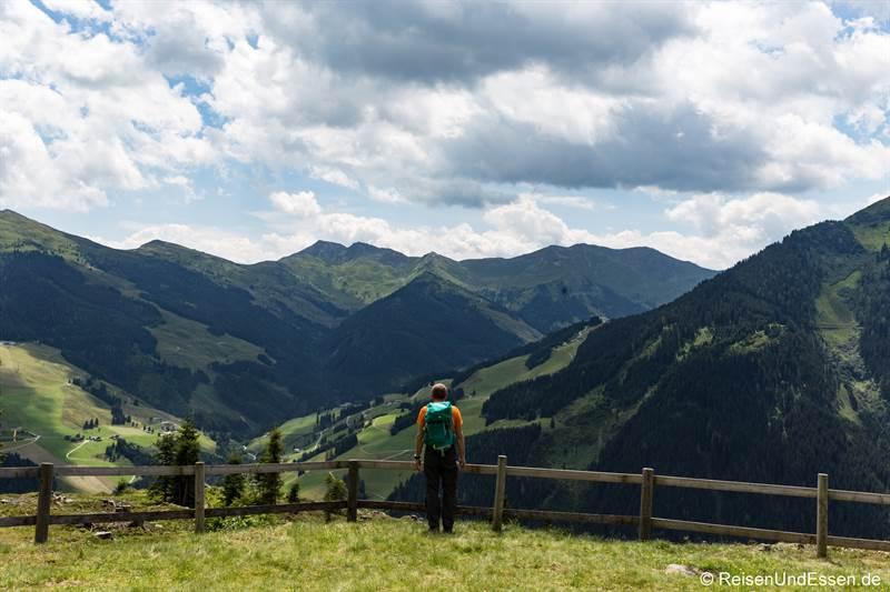 Blick auf die Berge in Saalbach-Hinterglemm