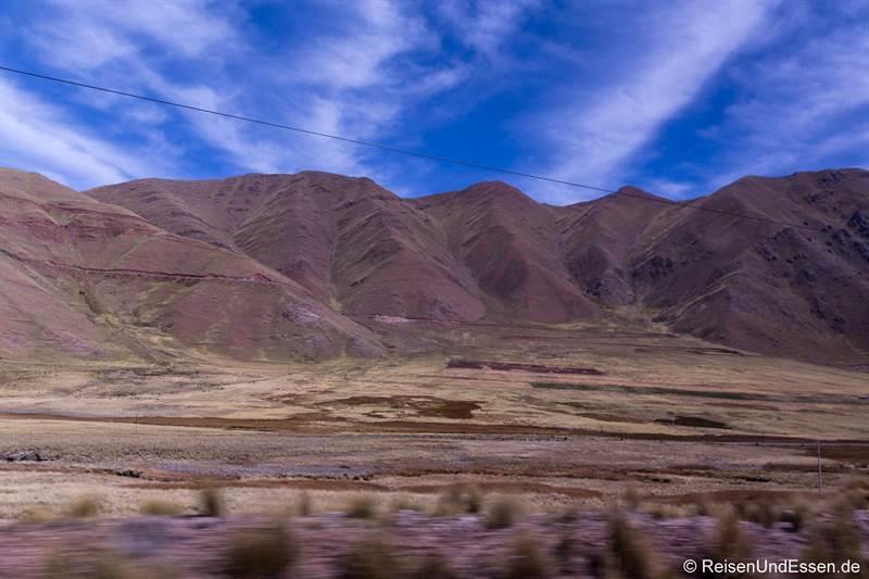 Landschaft auf der Sonnenroute von Puno nach Cusco