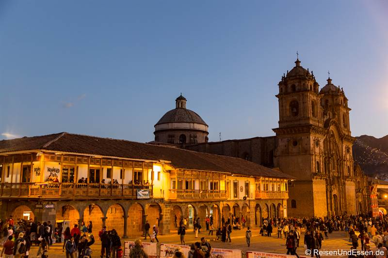 Kirche La Compania de Jesus in Cusco bei Nacht
