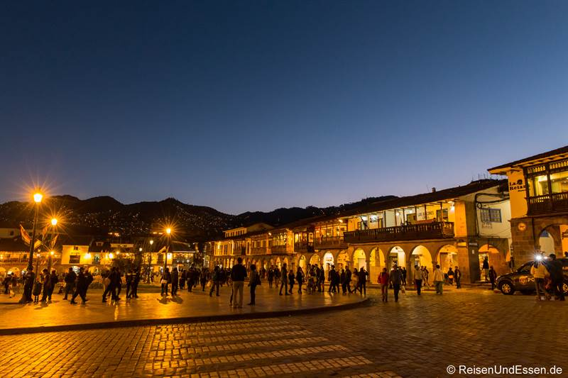 Plaza de Armas in Cusco bei Nacht