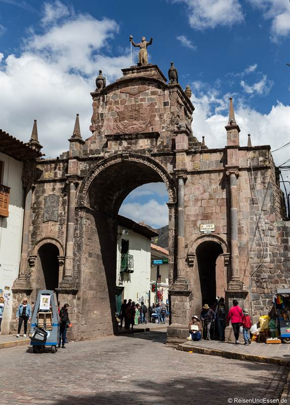 Torbogen Santa Clara in Cusco im historischen Zentrum