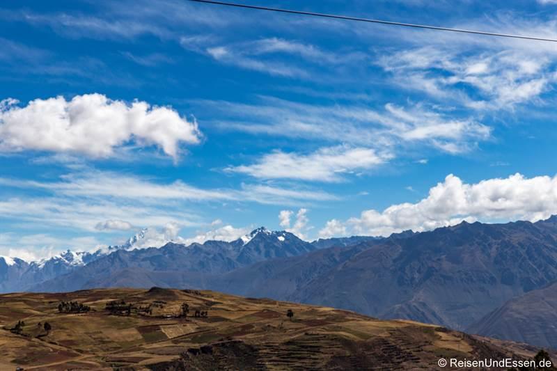 Berge oberhalb dem Urubamba-Tal