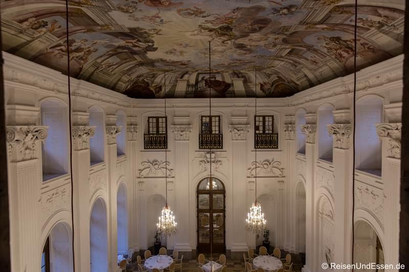 Deckengemälde im Apollo Saal im Maritim Hotel Fulda