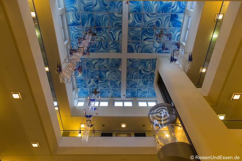 Blick auf die Decke im Maritim Hotel Fulda