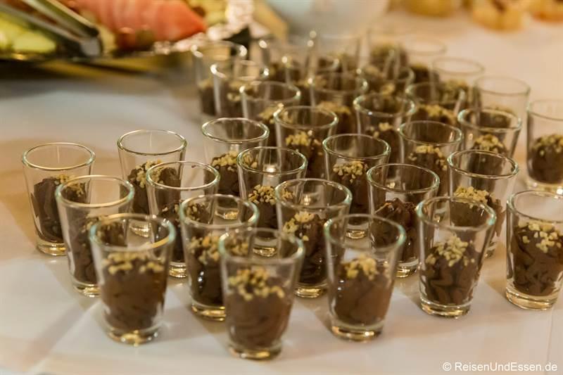 Schokoladenmousse als Dessert beim Mönchsdinner