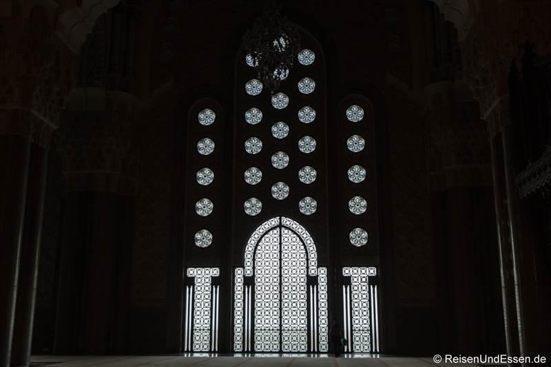 Tor und Fenster in der Hassan II Moschee