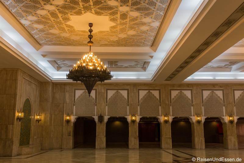 Untergeschoss in der Hassan II Moschee in Casablanca