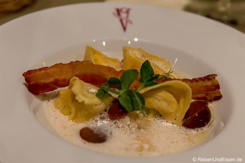 Tortellini mit Cotechino und Champagner-Sauerkraut