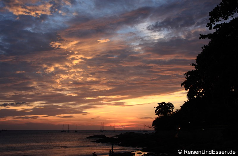 Sonnenuntragng am Nai Harn Strand