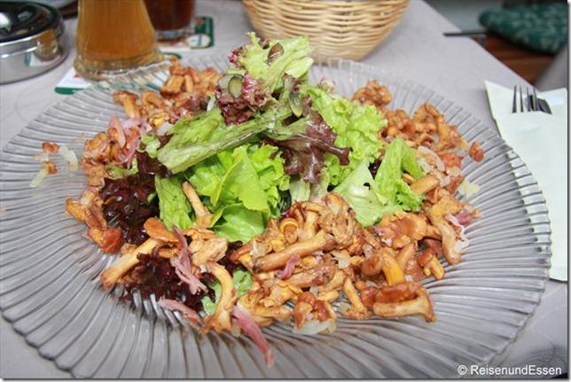 Gengenbach - Salat mit Pfifferlingen