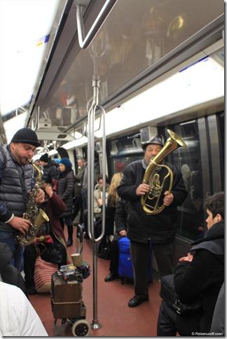Musikanten in der Metro von Paris