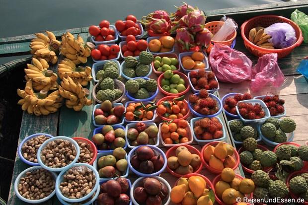 Vietnam - Obst (auf einem Boot in der Halong-Bucht)