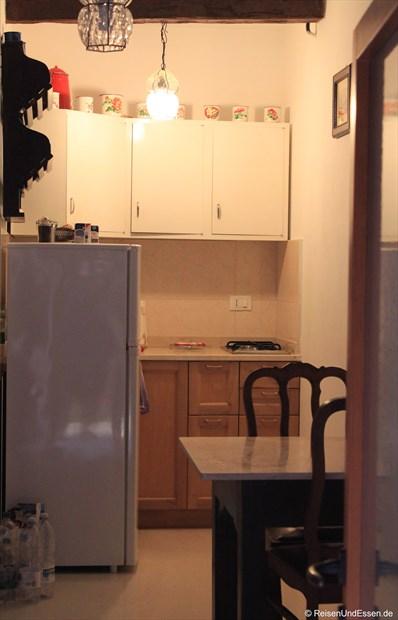 Blick in Küchenzeile der Ferienwohnung