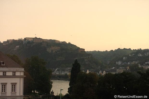 Blick vom Zimmer im Mercure auf Festung Ehrenbreitstein