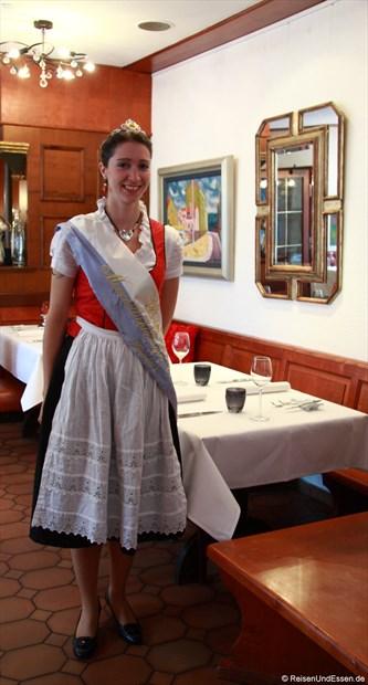 Meerrettichkönigin Isabella I im Restaurant Zum Storchennest in Baiersdorf