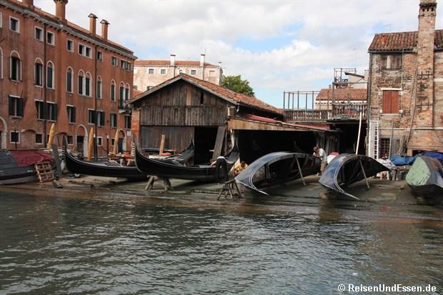 """""""Werft"""" für Gondeln in Venedig"""