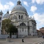 Am Canale Grande entlang zur Basilica di Santa Maria della Salute in Venedig