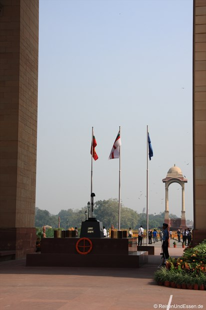 Delhi - India Gate und ewiges Feuer