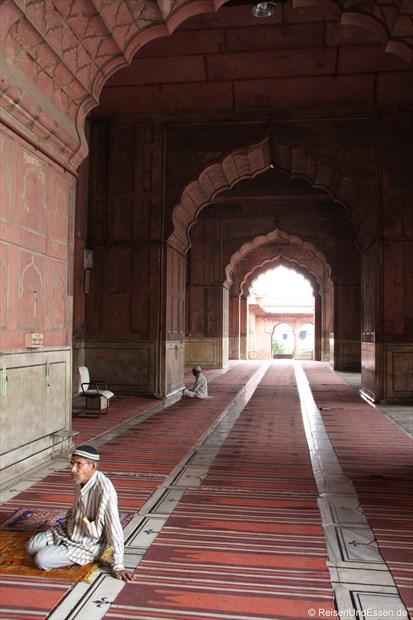 Arkadengang in der Jama Masjid