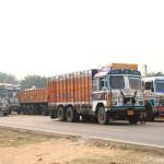 Fahrt von Delhi in die rote Stadt Jaipur