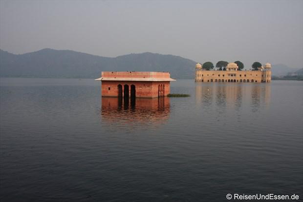 Jal Mahal (Wasserschloss) im Man Sagar