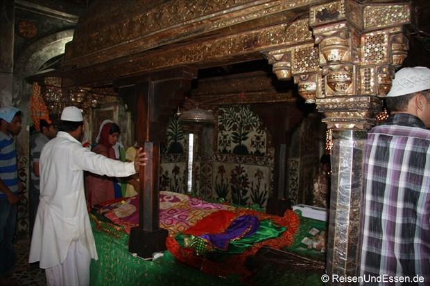 Im Mausoleum von Sheikh Salim Chisti