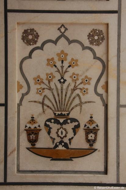 Intarsien am Mausoleum Itimad-ud-Daulah in Agra