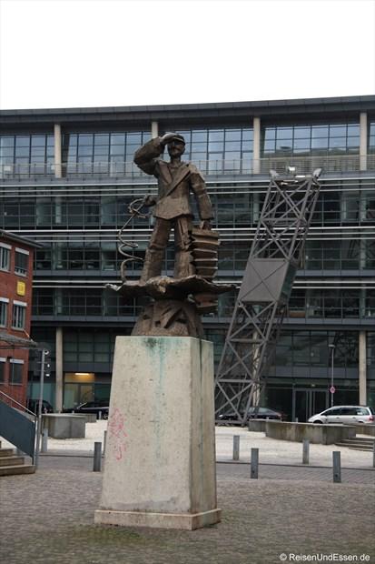 Ueckerplatz - Was gibt es Medienhafen zu sehen ...