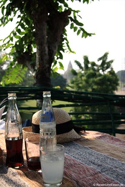 Erfrischung im Baumhaus in Khajuraho