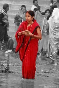Der heilige Fluss Ganges, Ghats und Verbrennungsstätten in Varanasi