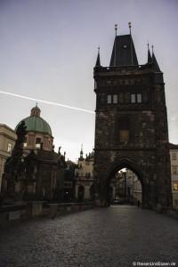 Read more about the article Wie man die Karlsbrücke in Prag für sich alleine hat