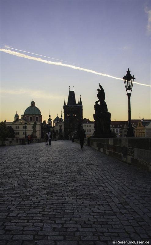 Karlsbrücke mit Blick auf Altstädter Tor