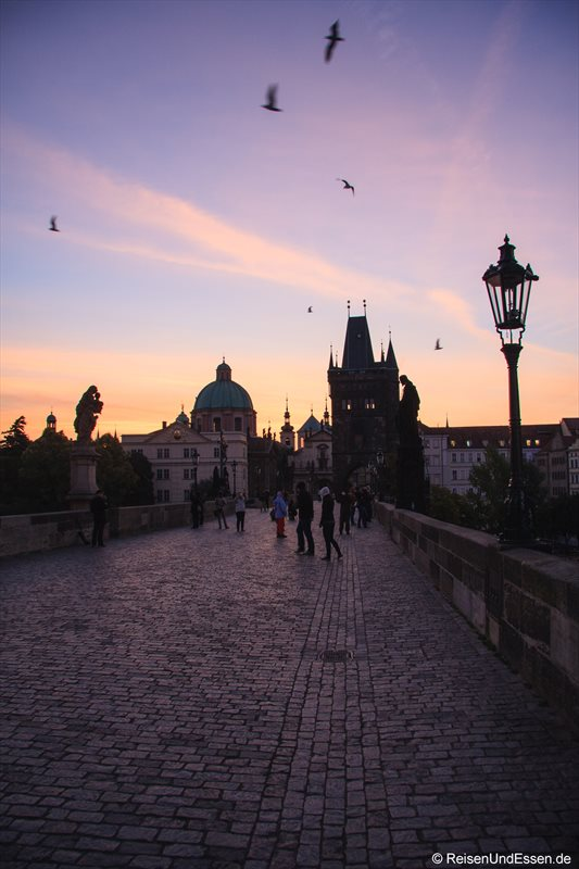 Karlsbrücke zu Sonnenaufgang