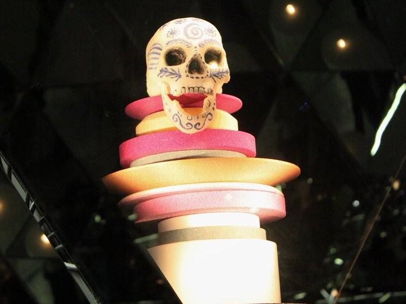 Totenkopf im Kristalldom in den Swarovski Kristallwelten