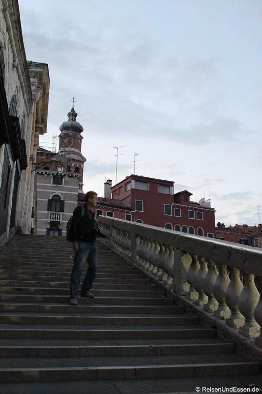 Auf der Rialto-Brücke am frühen Morgen