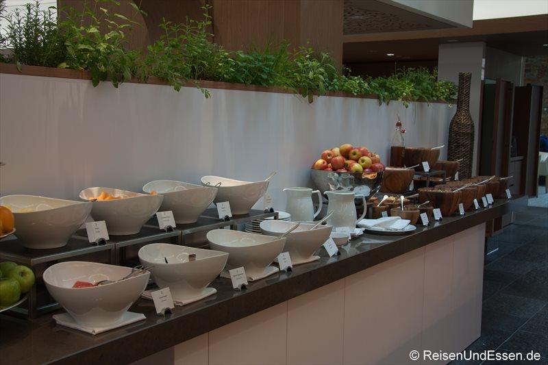 Auswahl an Obst beim Frühstücksbuffet im 3'60° Restaurant