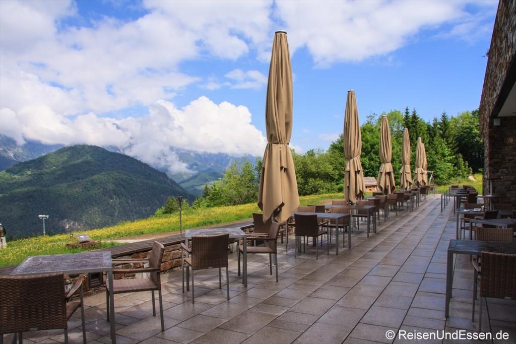 Terrasse vor dem 3'60 Grad Restaurant im Intercontintental Berchtesgaden Resort