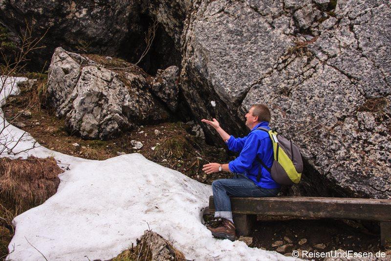 Schnee auf dem Weg zum Kehlstein