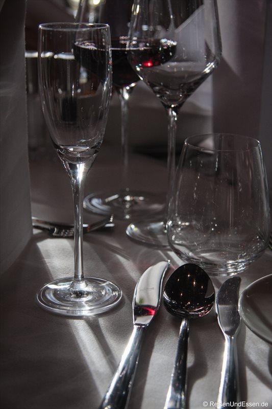 Der Tisch im Restaurant Falstaff im Casion Bregenz ist gedeckt