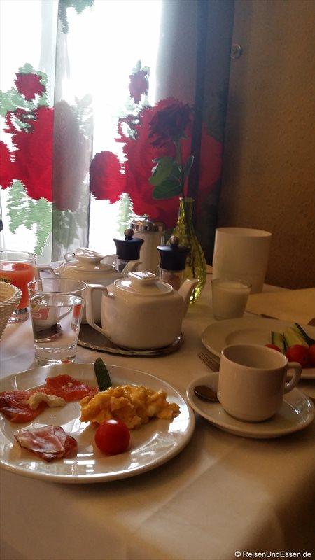 Frühstück im Hotel Weisses Kreuz in Bregenz