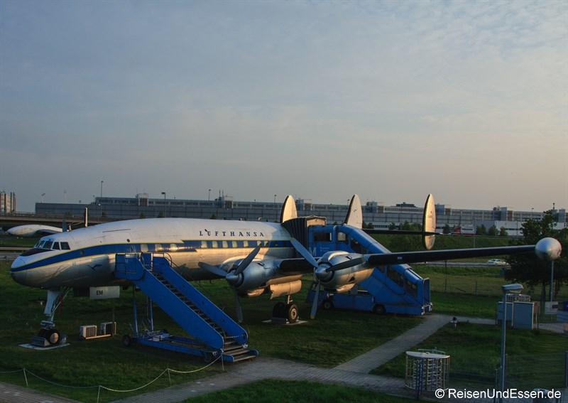 Lockheed L1049 G Super Constellation beim Besucherpark Flughafen München