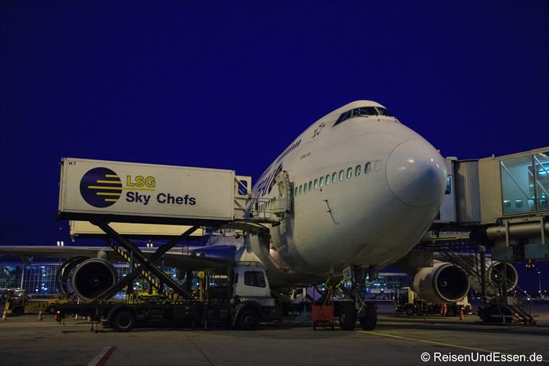 Catering für Flug TG 925 Nach Bangkok mit Boeing 747-400