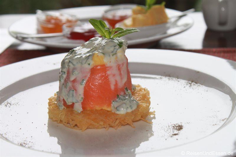 Frühstück mit Lachs in der Elephant Hide of Knysna Guest Lodge