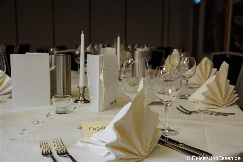 Tisch für Feierlichkeiten im Radisson Blu