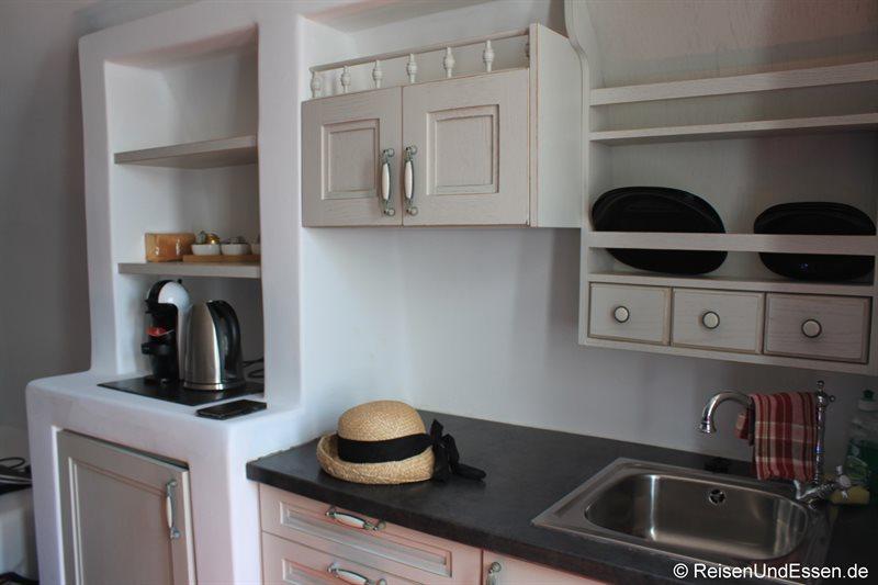 Küchenzeile in der White Pearl Villa