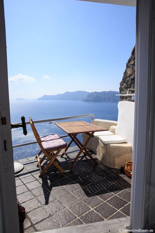 Sitzecke auf der Terrasse in der White Pearl Villa