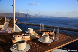 Höhlen-Villa mit Aussicht auf die Caldera in Oia auf Santorini
