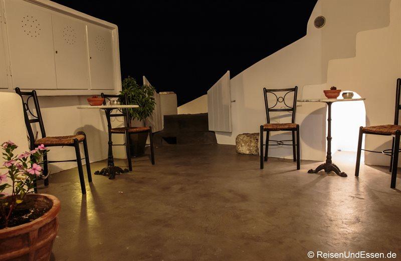 Stimmung am Abend im Eingangsbereich zur White Pearl Villa